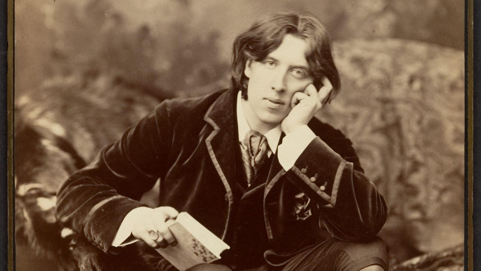 Hà Thủy Nguyên phỏng vấn giáo sư E.San Juan, Jr: Ý thức chính trị và nguyên tắc tự do trong văn chương Oscar Wilde